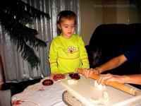 Karácsonyi pályázat - Karácsonyfa sógyurmából - Készül a gyurma