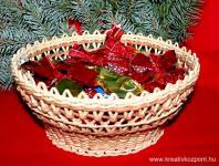 Karácsonyi pályázat - Szaloncukros kosár csuhéból -Teli kosár