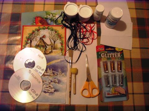 Karácsonyi díszek CD lemezből - Hozzávalók